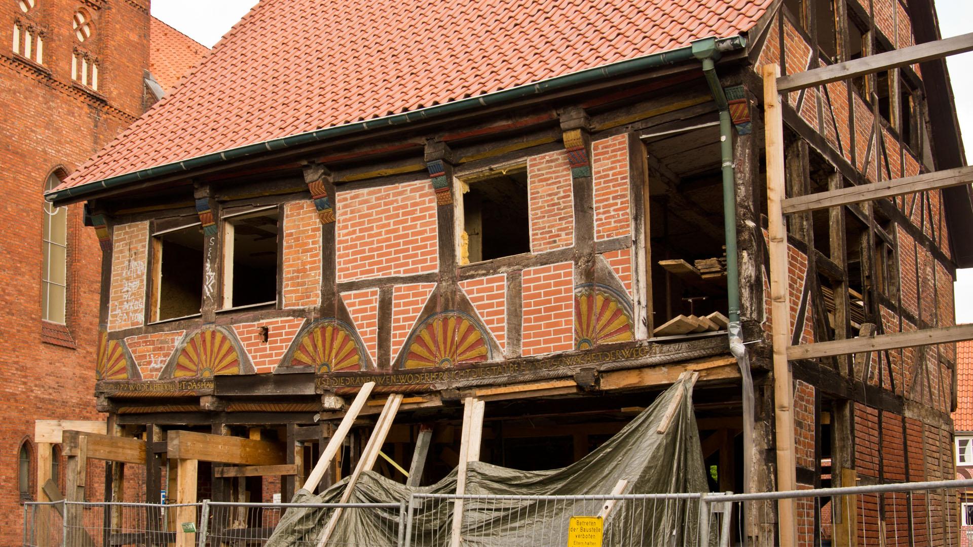 Am Elbschifffahrtsmuseum in Lauenburg an der Elbe