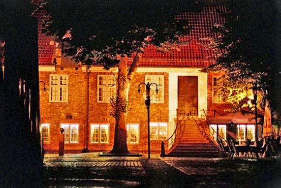 Eckernförde altes Rathaus bei Nacht