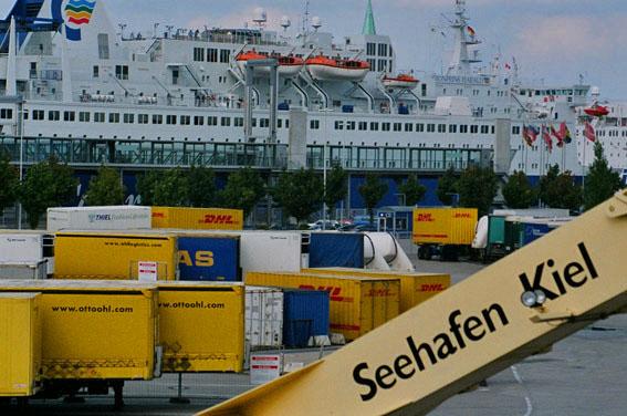 Kiel am Seehafen am Ostufer